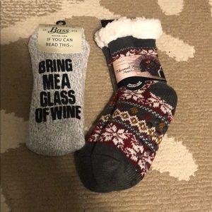 BNWT (2) Pairs of warm Bass women's socks